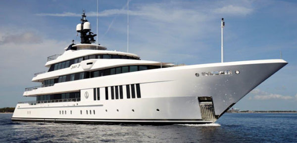 Just J's by Hakvoort with naval architecture by Diana Yacht Design