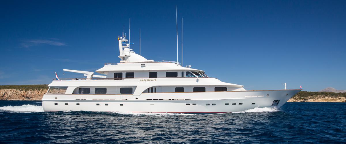 Lady Duvera III by Hakvoort Shipyard