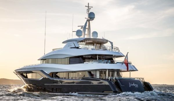 Motor yacht Viatoris with steel hull and aluminum superstructure