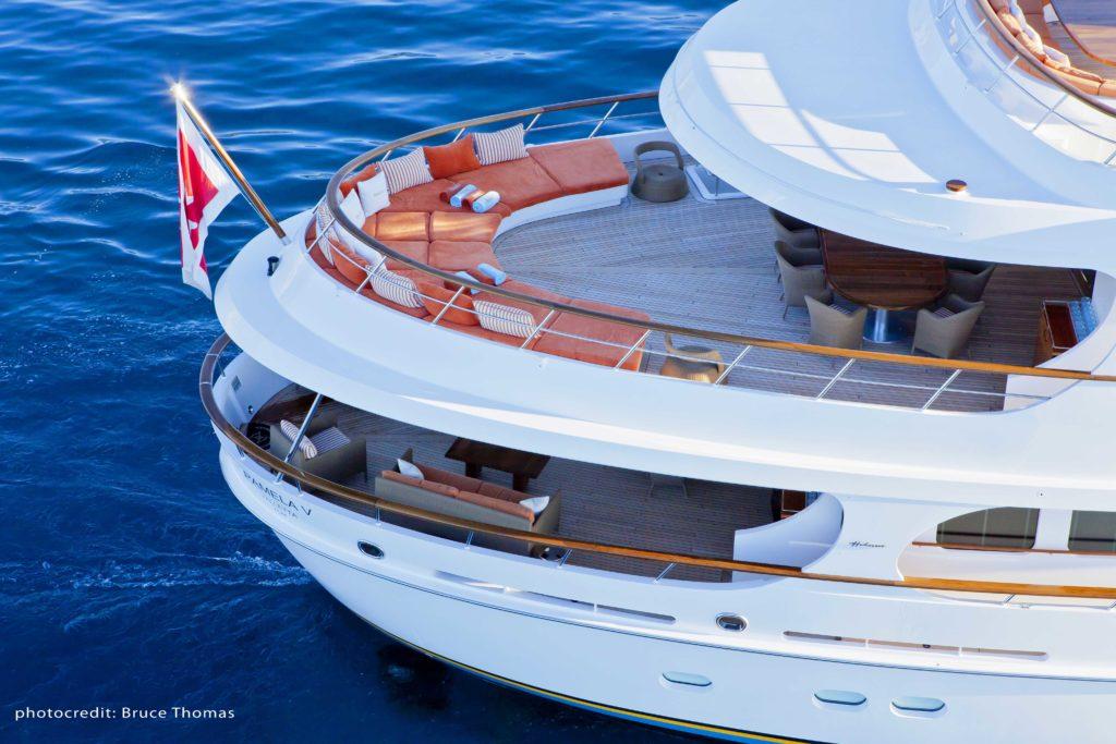 Motor yacht Pamela V stern